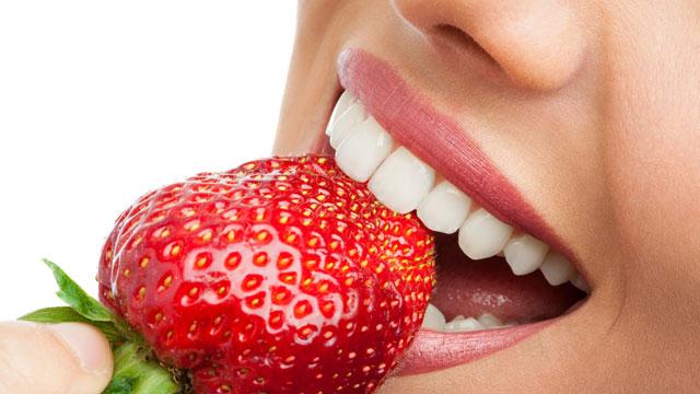 alimentos que branqueiam os dentes